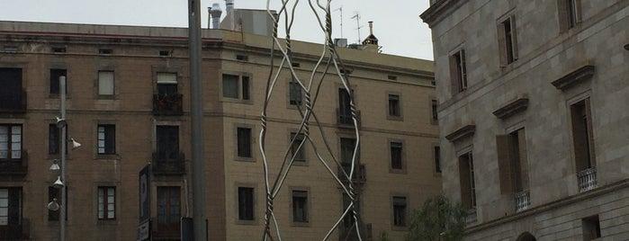 Oficina d'Atenció Ciutadana (OAC) de la Plaça Sant Miquel is one of Home.