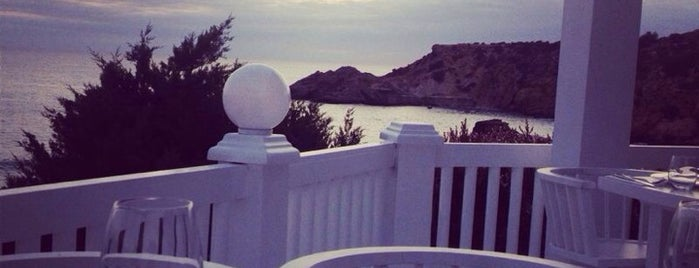 Cotton Beach Club is one of Ibiza.