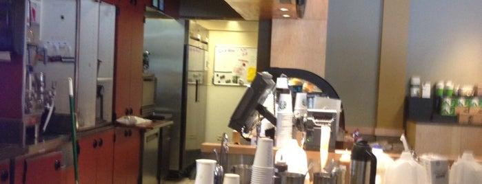 Starbucks is one of Orte, die Kristen gefallen.