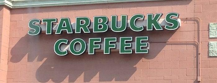 Starbucks is one of Chelly'in Beğendiği Mekanlar.