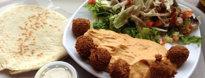 Falafel King is one of Lugares favoritos de Andrea.
