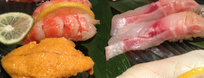 Ocean Blue Sushi Club is one of Locais curtidos por Jesse.