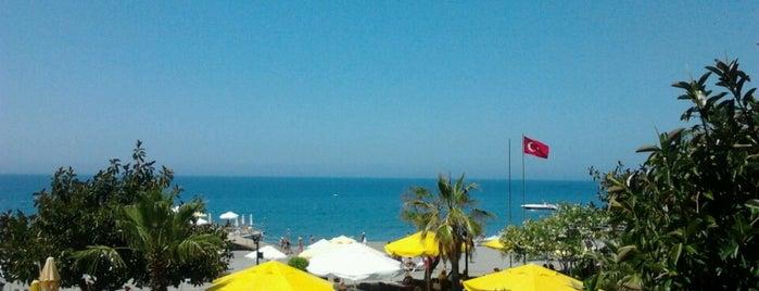 Sunset Beach Hotel is one of Orte, die Yunus gefallen.