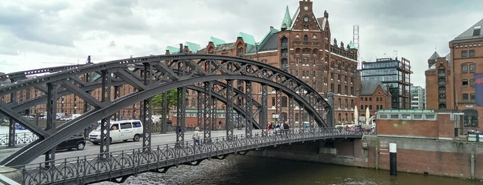 Brooksbrücke is one of Brynnさんのお気に入りスポット.