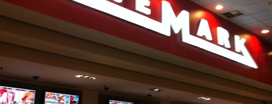 Cinemark is one of Lugares favoritos de Káren.