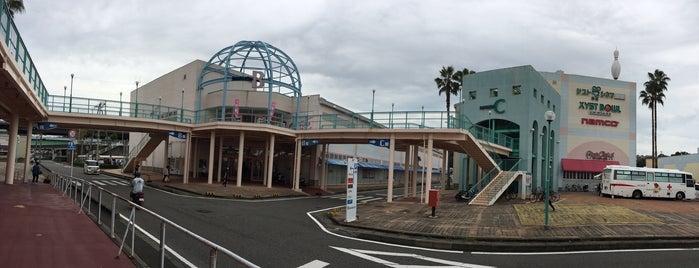 パビリオンシティ田辺 is one of Lugares favoritos de nobrinskii.