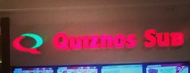 Quiznos Sub is one of Lugares favoritos de Elis.