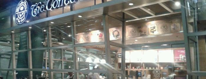 The Coffee Bean & Tea Leaf is one of angelit 님이 좋아한 장소.