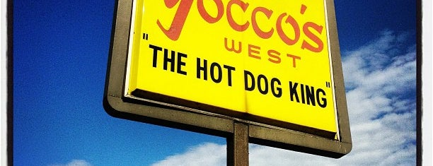 Yocco's - The Hot Dog King is one of leoaze: сохраненные места.