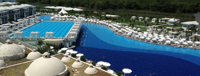 Titanic Deluxe Golf Belek is one of Oteller.