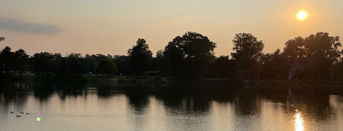 Olander Park is one of Donovan: сохраненные места.