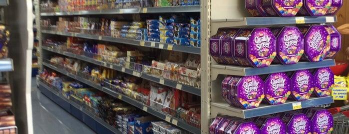 Al Marj Supermarket is one of Posti che sono piaciuti a Maisoon.