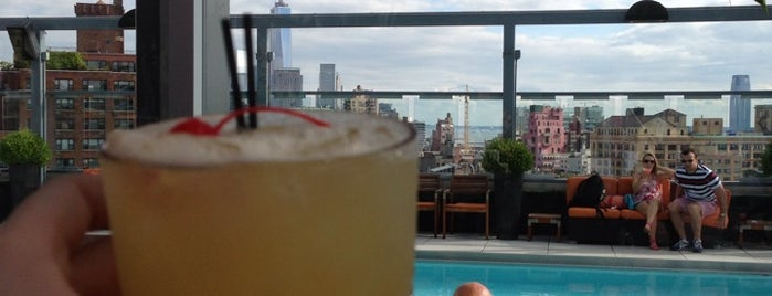 Plunge Rooftop Bar & Lounge is one of Summer Rooftopin'.