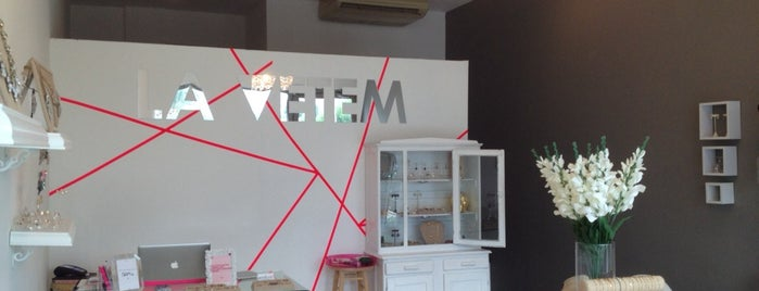 La Vetem Store is one of MTY.