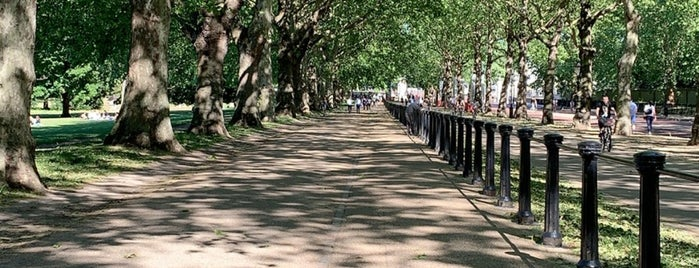 Diana Princess of Wales Memorial Walk is one of Locais curtidos por Barry.
