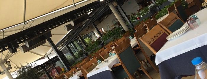 Kayıkhane Restaurant is one of Posti che sono piaciuti a gamze.