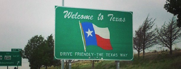 Texas Oklahoma State Line is one of Posti che sono piaciuti a Devin.