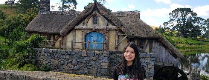 Hobbiton Movie Set & Farm Tours is one of Around the World.