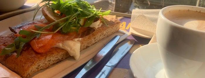 El Café Vienés is one of Posti che sono piaciuti a Piotr.