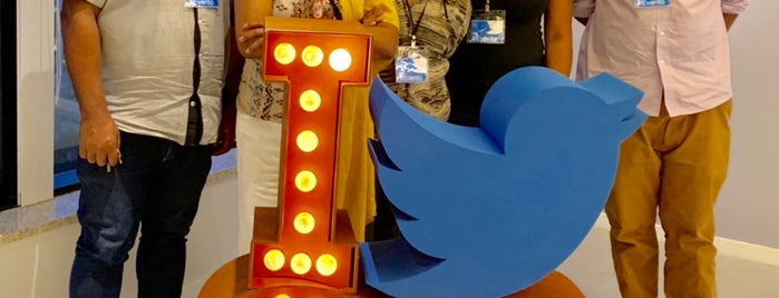 Twitter Brasil is one of Profissão.