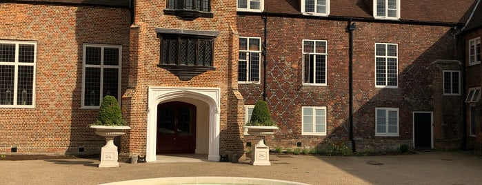 Fulham Palace is one of Missed London Monuments.