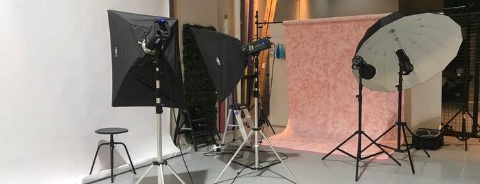 Purelight Studio is one of Locais salvos de Queen.