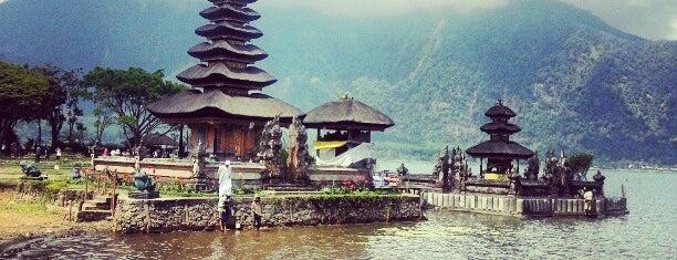 Pura Ulun Danu Beratan is one of Jas' favorite urban sites.