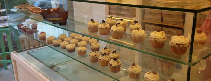 Magus Patisserie Cupcakes is one of Lugares favoritos de Marisa.