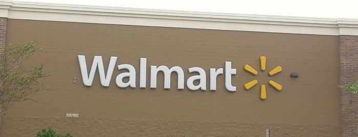 Walmart Supercenter is one of barbee 님이 좋아한 장소.