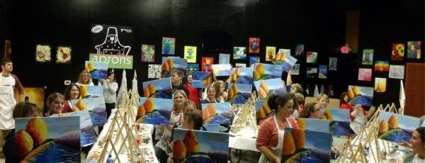 Uptown Art  * Meet Drink & Paint Happy is one of LAXgirl'in Kaydettiği Mekanlar.
