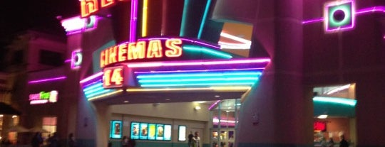 Regal Short Pump & IMAX is one of Queen'in Kaydettiği Mekanlar.