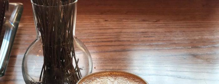 Joud Cafe is one of Lugares favoritos de Hessa Al Khalifa.