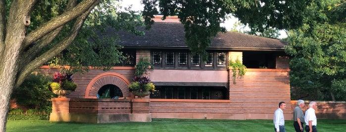 Arthur B. Heurtley House is one of Frank Lloyd Wright.
