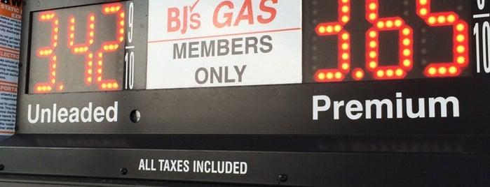BJ's Gas is one of Locais curtidos por Ahmad.