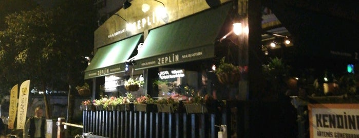 Zeplin Pub & Delicatessen is one of Lugares favoritos de Kerem.