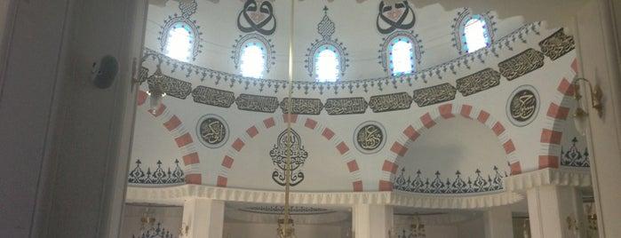 Hz. Osman Camii is one of สถานที่ที่ Mevlüt🎬〽⌚🌇🚘💯✔ ถูกใจ.