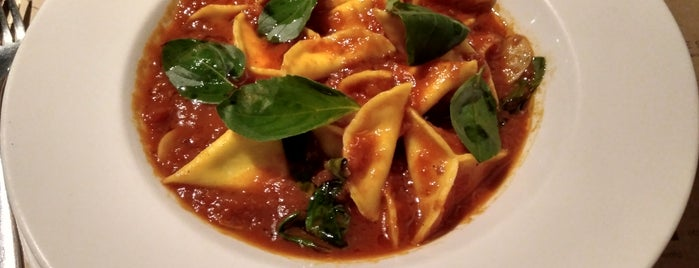 Mangiare Gastronomia is one of Posti che sono piaciuti a Victor.