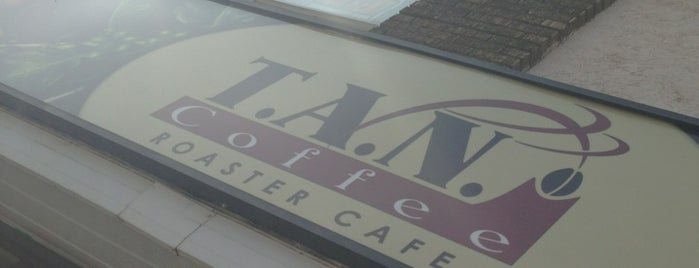 T.A.N. Coffee Roaster Café is one of Lugares favoritos de Juan.