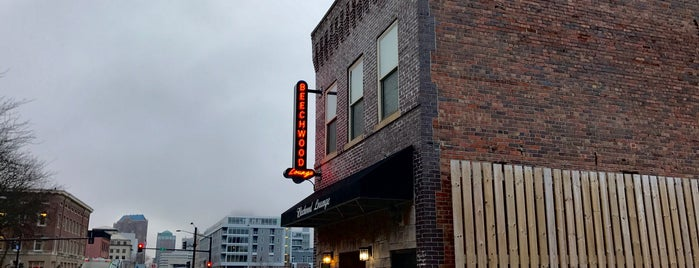 Beechwood Lounge is one of Des Moines.
