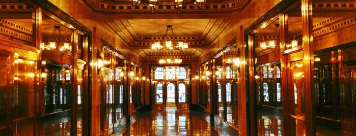 The Brill Building is one of Lugares favoritos de Todd.