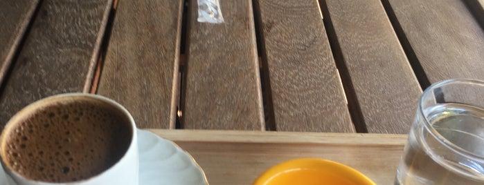 Ihlamur Cafe & Beylikdüzü Aksm is one of Orte, die Can gefallen.