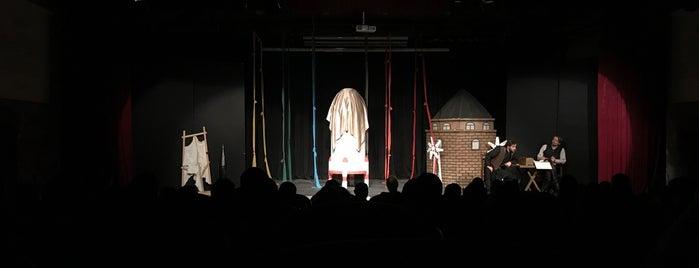 Silivri Belediye Tiyatrosu Önder Yılmaz Sahnesi is one of Acar'ın Beğendiği Mekanlar.