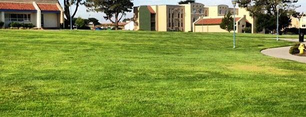 California State University, Monterey Bay is one of Jennifer'in Beğendiği Mekanlar.