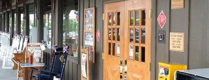 Cracker Barrel Old Country Store is one of Posti che sono piaciuti a Víctor.