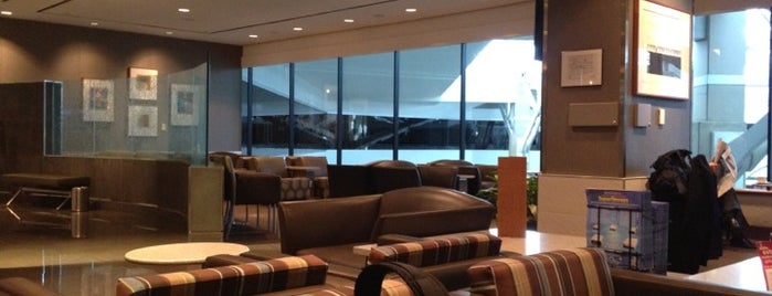 American Airlines Admirals Club is one of สถานที่ที่ Miguel ถูกใจ.