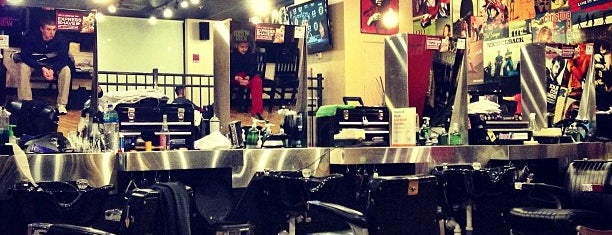 Floyd's 99 Barbershop is one of Lieux qui ont plu à Stephanie.