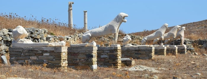 Delos is one of Grécia.
