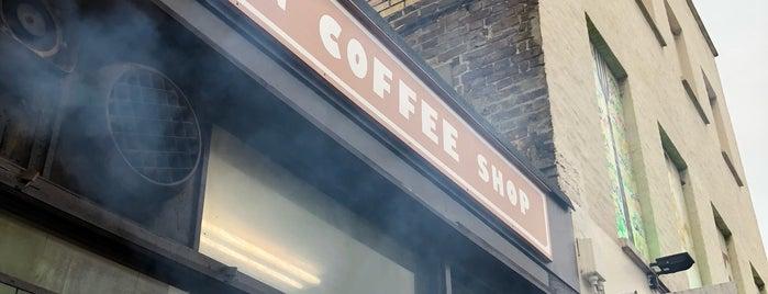 Camden Coffee Shop is one of Lieux sauvegardés par Romain.
