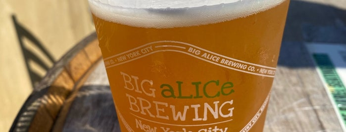 Big Alice Brewing is one of Locais curtidos por Dan.