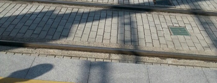 Stadyum Kayseray Durağı is one of Kayseri Organize Sanayi - İldem Tramvay Hattı.